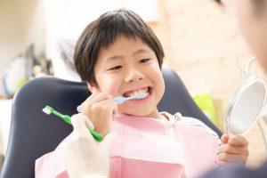 子どもの口臭の原因と対策