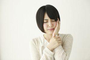 2週間以上治らない口内炎は病気のサインかも?